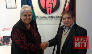 Ferdi Tanoni Bersama  Co-Chair (Ketua Bersama) The National Congress of Australia's First People DR Jackie Huggins. Foto: Dokumen Pribadi Ferdi Tanoni untuk Lintasntt.com