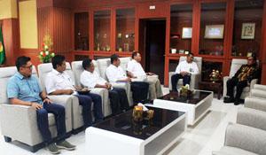 Ketua Komisi V DPR Fary Francis bertemu Wakil Gubernur NTT Josef Nae Soi/Foto: lintasntt.com
